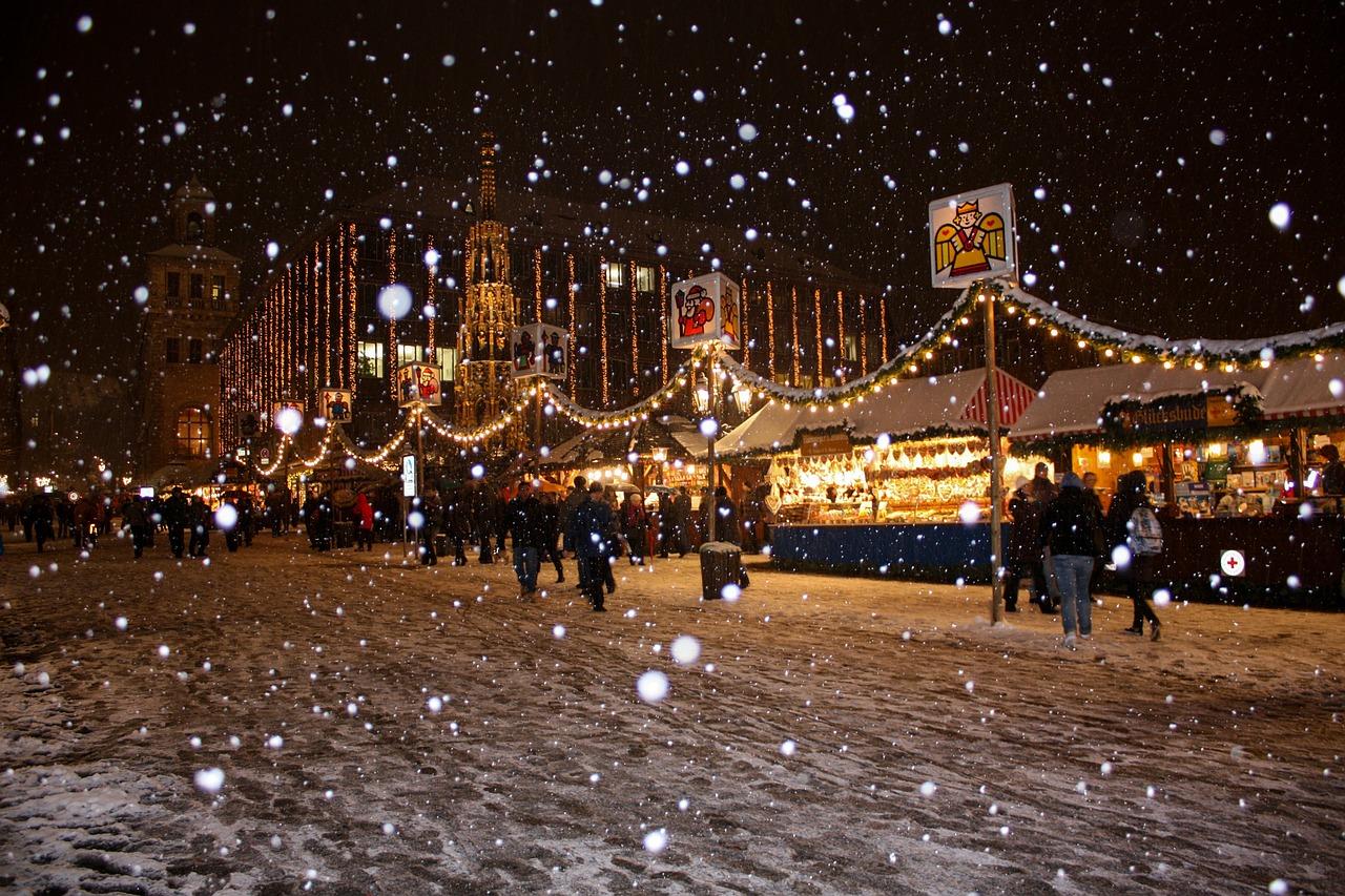 snowflakes-538223_1280